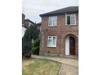 2 Bed first floor flat to let in harrow with Garden
