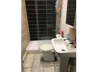 2 Rooms in Burley Road, Leeds