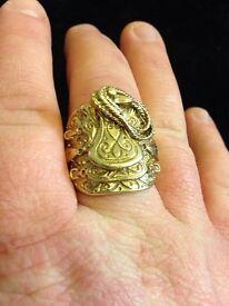 Men's gold saddle ring