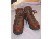 Scarpa Ladies Leather Walking Boots size 6-7