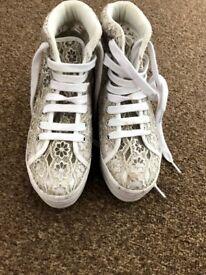 Jeffrey Campbell Play Homg Lace Platform Shoes- size 4