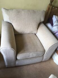 2x single chairs and 2 seater couch