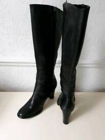 M & S KNEE HIGH leather boots size 4
