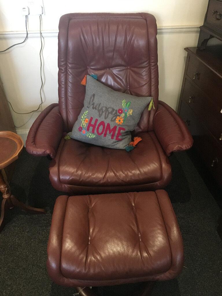 Fantastic Ekornes Stressless Reclining Swivel Chair & Footstool Leather Burgundy Wine