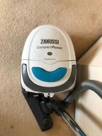 Zanussi vacuum cleaner works