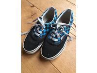 Vans skate shoes size 12 (junior)