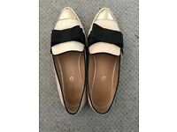 Kurt Geiger Size 5 Nude Loafers With Bow