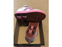 Heelys Bolt Plus White/Pink Heely Roller light up Shoe