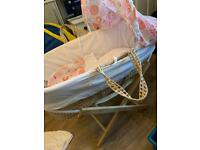 MOSES BASKET WITH STAND & PINK/WHITE BEDDING