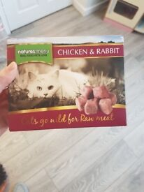 Nature's menu frozen raw cat food. 5 x 400g boxes.