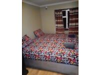 LEYTON - TWIN ROOM FOR 2 FRIENDS LOCATED AT GRANGE PARK RD