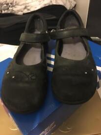 Girls black Clark's school shoe size 11.5 F