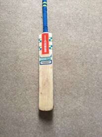 Pre-Owned Gray Nicolls Omega XRD (Handcrafted English Willow)