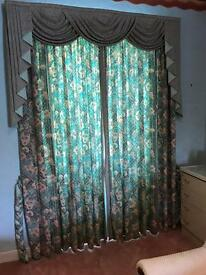 Curtains, tie backs and pelmet