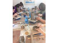 Handbuild ceramic assistant