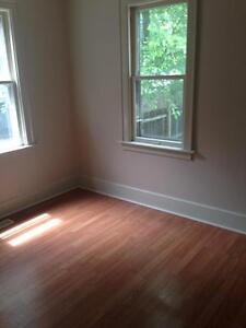 3 BDRM APT - FRESHLY PAINTED UNIT $1175 INC - MCKAY - NOW!