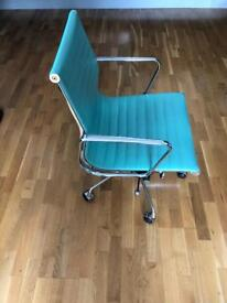 Working Desk Chair in Turquoise Colour / Office Chair