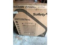 NEW BOXED Safety 1st Pressure METAL SAFTY GATES