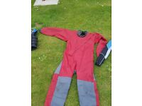 Dry suit and wet suits mens l xl boys l giid condition