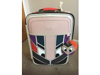 LOVELY HAND LUGGAGE TRAVEL CASE WITH NOVELTY FACE-EXCELLENT CONDITION