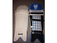 Fearnley legend youth Cricket Pads, Never used