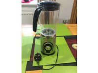 Andrew James / Blender and Mixer for £5.00 only.