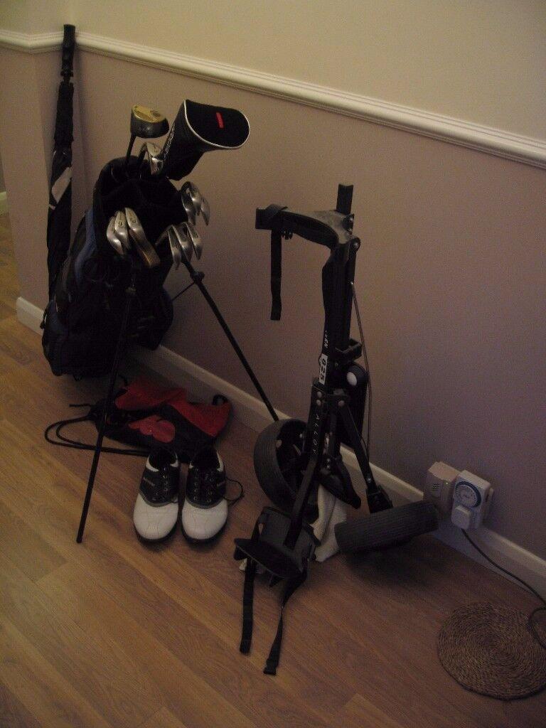 set golf clubs