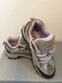Winter walking shoes size 4 Eur 37 with solid grip sole