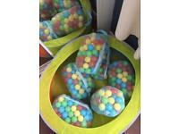 Ball pit and 6 bags of balls