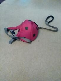 little life lady bird back pack with reins.