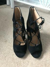 Misguided black heels size 4 *NEVER WORN*