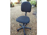 Swivel office chair. Good quality