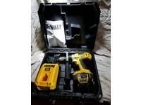 Dewalt hammer drill with lithium battery