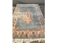 Chinese rug. Measures 2.44/2.68 Metres.