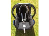 Maxi-Cosi baby car seat. Birth to 13kg (approx 12mths)