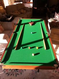 Snooker/billiards/pool table 6ft x 3ft with stand and full set of balls and equipment