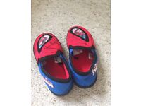 Boys spider man slippers size 7 mothercare VGC