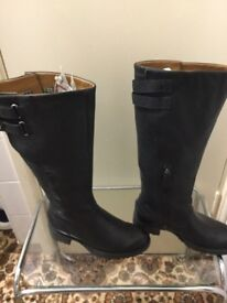 Brand new boots in very good condition only £15.Size is 3.5