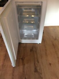 Integrated Frost Free Fridge Freezer £90