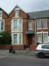 STUDIO FLAT IN EDGBASTON (SPECIOUS) SELF CONTAINED