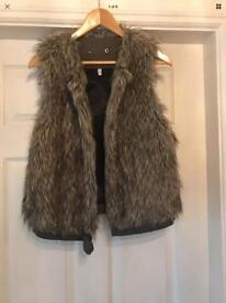 Armani jeans designer ladies fur gilet - small - excellent condition 💕