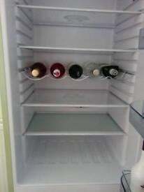 Swan fridge with freezer sr11020gn