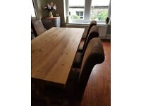 BEAUTIFUL solid oak dining table, plus 6 chairs