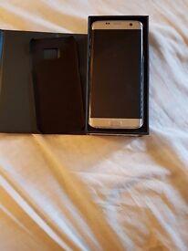 Samsung s7 edge 32GB in Platinum Silver. UNLOCKED MINT CONDITIO