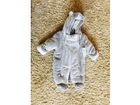 Baby's pram suit