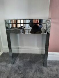 Mirrored dressing table/console table with draw