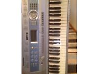 Keyboard Yamaha DGX 200