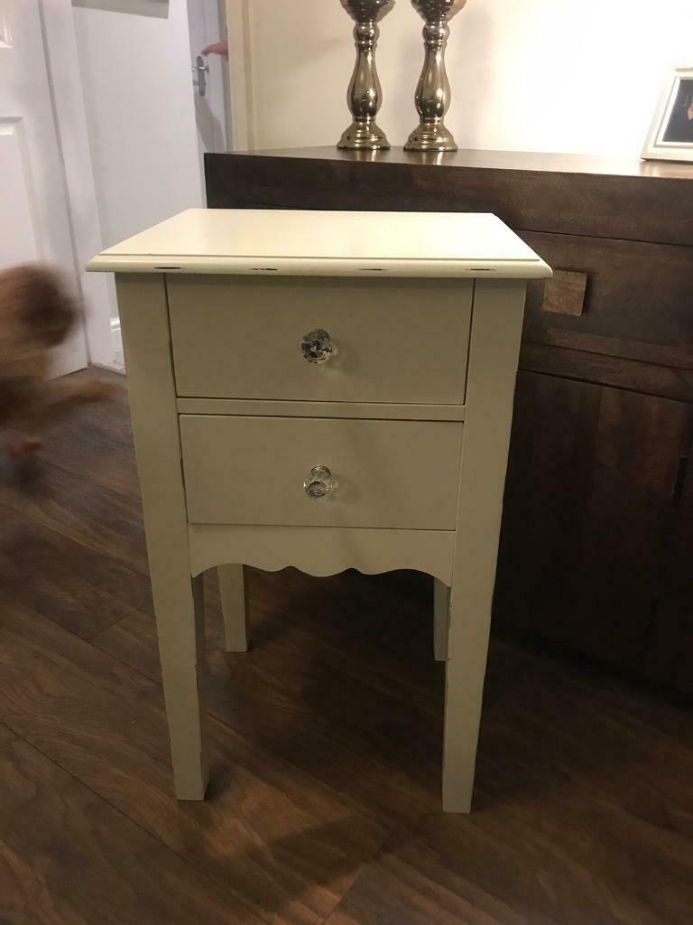 Picture of: Shabby Chic Bedside Table In Hull East Yorkshire Gumtree