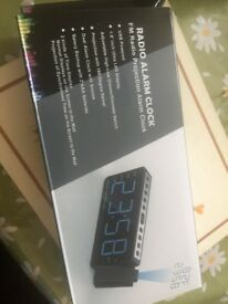 Radio alarms clock (new in box )