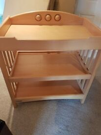 Mamas and papas changing unit and matching john lewis cot (needs a small repair)